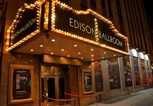 Classic New York City Wedding at the Edison Ballroom